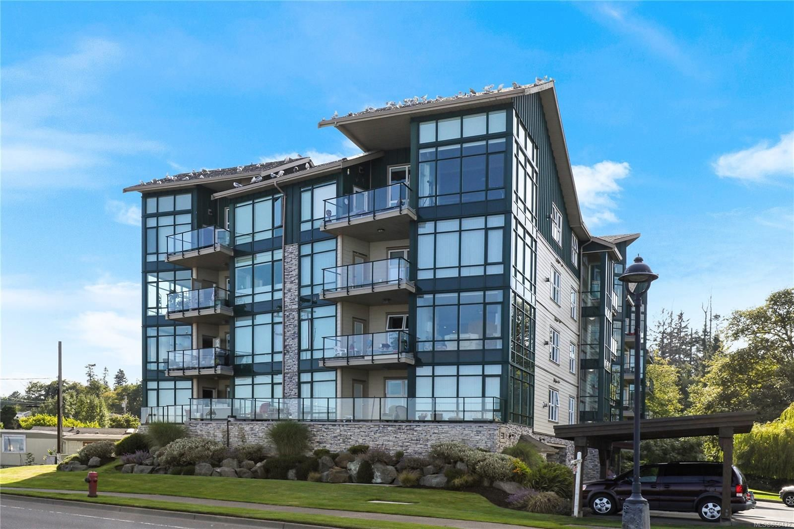 Main Photo: 207 2676 S Island Hwy in : CR Willow Point Condo for sale (Campbell River)  : MLS®# 860432