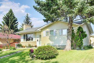 Photo 2: 2415 Vista Crescent NE in Calgary: Vista Heights Detached for sale : MLS®# A1144899