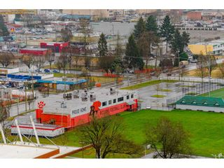 """Photo 25: 2504 10777 UNIVERSITY Drive in Surrey: Whalley Condo for sale in """"City Point"""" (North Surrey)  : MLS®# R2539376"""