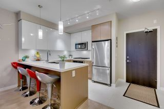 """Photo 5: 108 20 E ROYAL Avenue in New Westminster: Fraserview NW Condo for sale in """"THE LOOKOUT"""" : MLS®# R2237178"""
