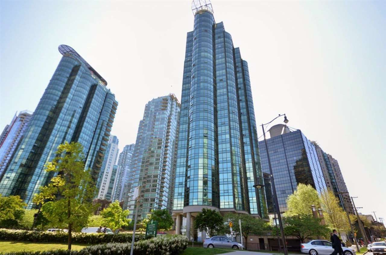 Main Photo: 702 588 BROUGHTON STREET in Vancouver: Coal Harbour Condo for sale (Vancouver West)  : MLS®# R2575950