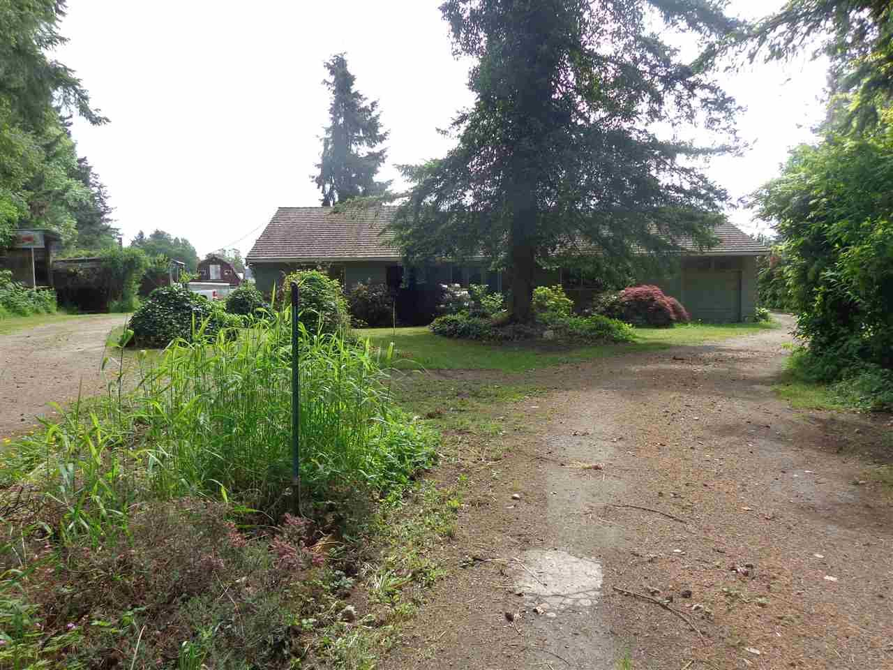 Main Photo: 688 261 Street in Langley: Otter District House for sale : MLS®# R2457915