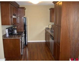 "Photo 2: 6 33900 MAYFAIR Avenue in Abbotsford: Central Abbotsford Townhouse for sale in ""Mayfair Gardens"" : MLS®# F2727724"