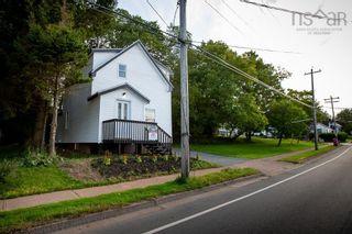 Photo 2: 12 Brunswick Street in Truro: 104-Truro/Bible Hill/Brookfield Residential for sale (Northern Region)  : MLS®# 202122384