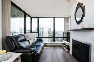 """Photo 4: 1307 151 W 2ND Street in North Vancouver: Lower Lonsdale Condo for sale in """"The Sky"""" : MLS®# R2439963"""