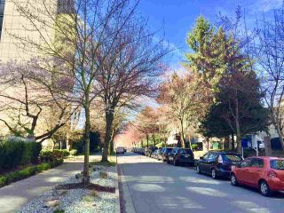 """Photo 3: 204 1010 BURNABY Street in Vancouver: West End VW Condo for sale in """"THE ELLINGTON"""" (Vancouver West)  : MLS®# R2258378"""