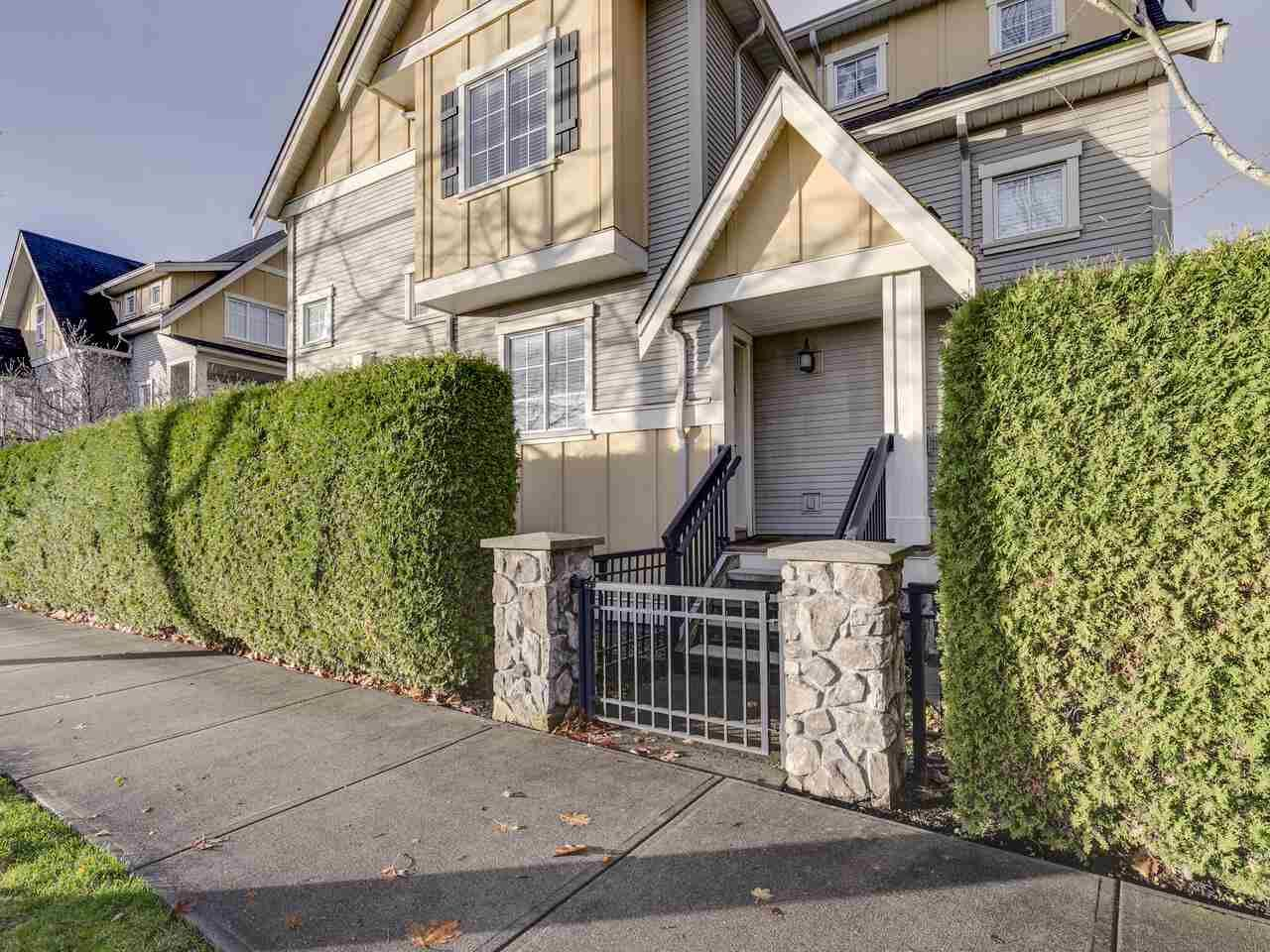 "Main Photo: 9 7171 STEVESTON Highway in Richmond: Broadmoor Townhouse for sale in ""Cassis"" : MLS®# R2518813"