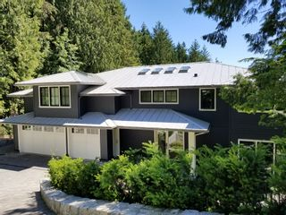 Photo 1: 4638 Woodgreen Drive in West Vancouver: Cypress Park Estates House for sale : MLS®# r2444495