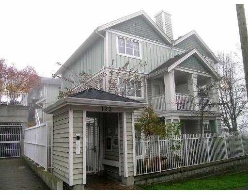 """Main Photo: 1 123 7TH ST in New Westminster: Uptown NW Townhouse for sale in """"ROYAL CITY TERRACE"""" : MLS®# V566303"""
