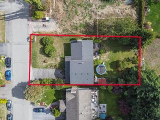 Photo 37: 15500 OXENHAM Avenue: White Rock House for sale (South Surrey White Rock)  : MLS®# R2620472