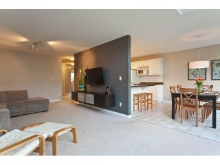 "Photo 3: 53 8111 160TH Street in Surrey: Fleetwood Tynehead Townhouse for sale in ""Coyote Ridge"" : MLS®# F1110791"