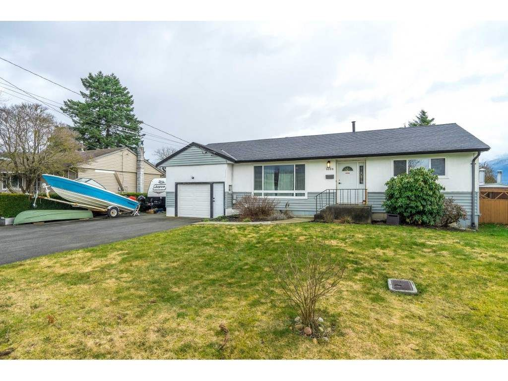 Main Photo: 9500 CARLETON Street in Chilliwack: Chilliwack E Young-Yale House for sale : MLS®# R2542266