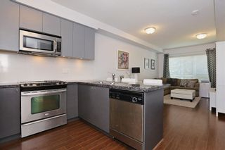 Photo 8: 209 6420 194 ST in Surrey: Cloverdale BC Condo for sale (Cloverdale)  : MLS®# R2103794