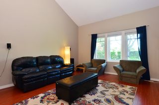 Photo 2: 1933 SOUTHMERE CRESCENT in South Surrey White Rock: Home for sale : MLS®# r2207161