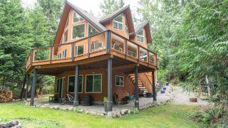 Photo 1: 5557 RILEY Road in Halfmoon Bay: Halfmn Bay Secret Cv Redroofs House for sale (Sunshine Coast)  : MLS®# R2573865