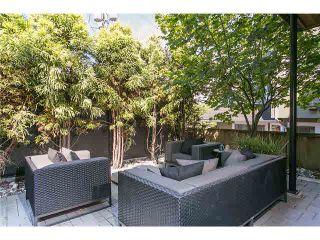 Photo 2: 2115 W 1ST AVENUE in Vancouver: Kitsilano 1/2 Duplex for sale (Vancouver West)  : MLS®# V1142221