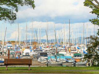Photo 21: 110 1370 Beach Dr in : OB South Oak Bay Condo for sale (Oak Bay)  : MLS®# 885409