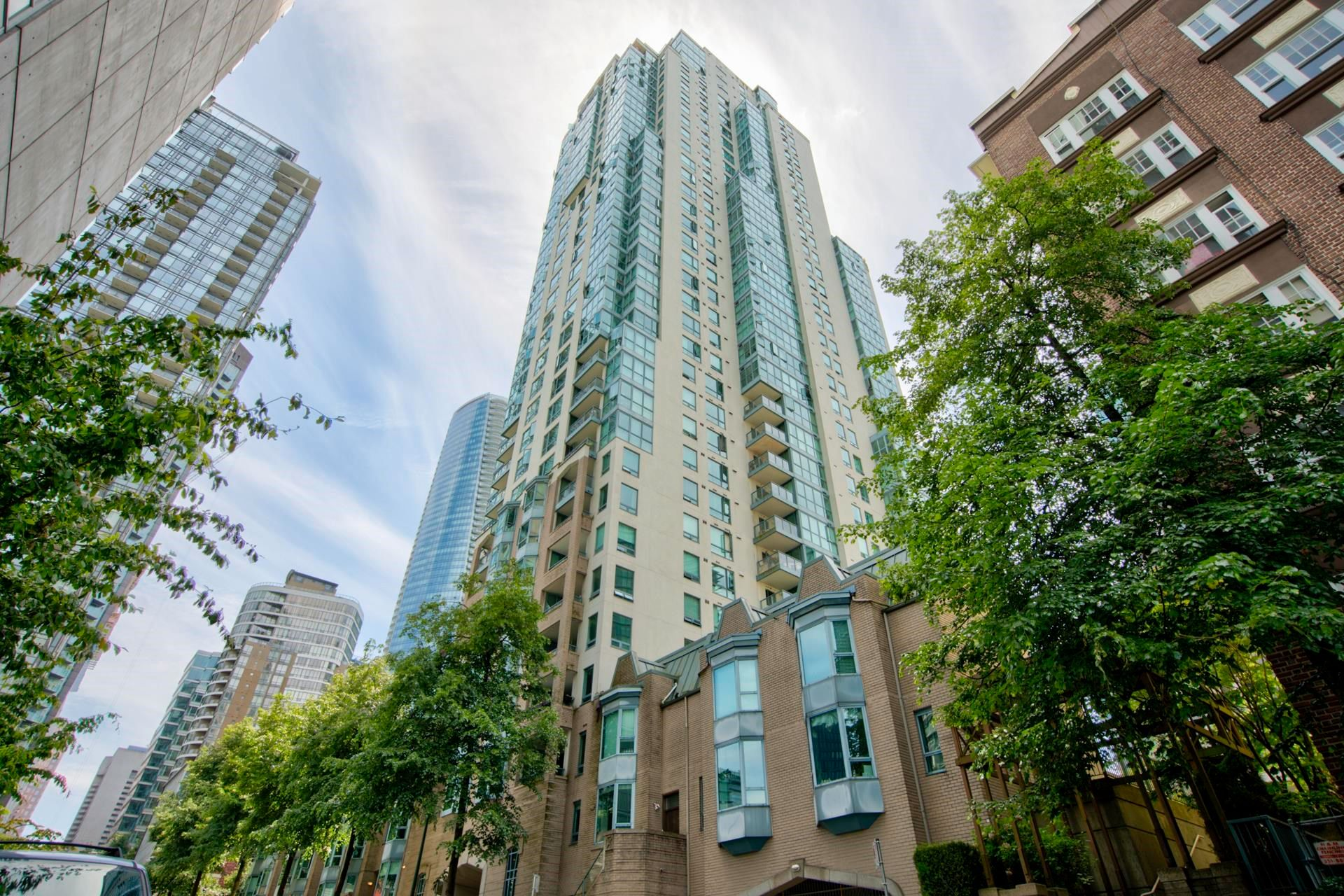 """Main Photo: 1903 1238 MELVILLE Street in Vancouver: Coal Harbour Condo for sale in """"Pointe Claire"""" (Vancouver West)  : MLS®# R2623127"""