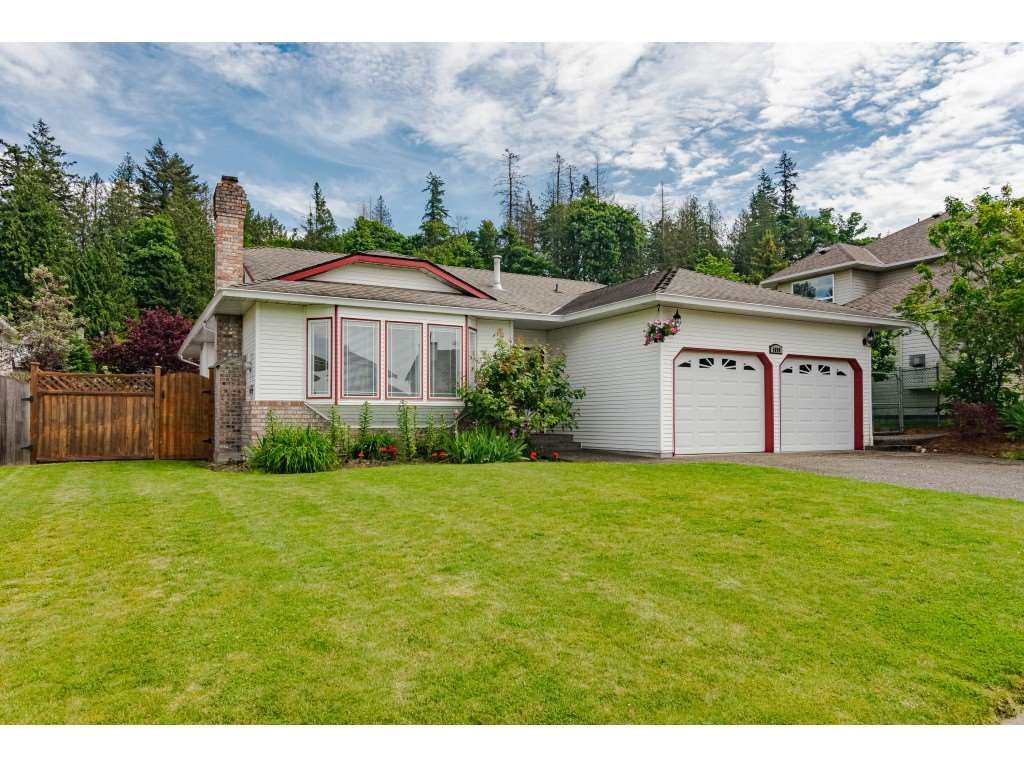 Main Photo: 5098 219 Street in Langley: Murrayville House for sale : MLS®# R2459490
