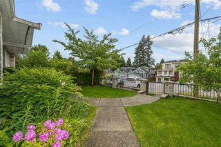 """Photo 19: 4566 BARKER Avenue in Burnaby: Burnaby Hospital 1/2 Duplex for sale in """"THE DRIVE BY ONNI"""" (Burnaby South)  : MLS®# R2587872"""