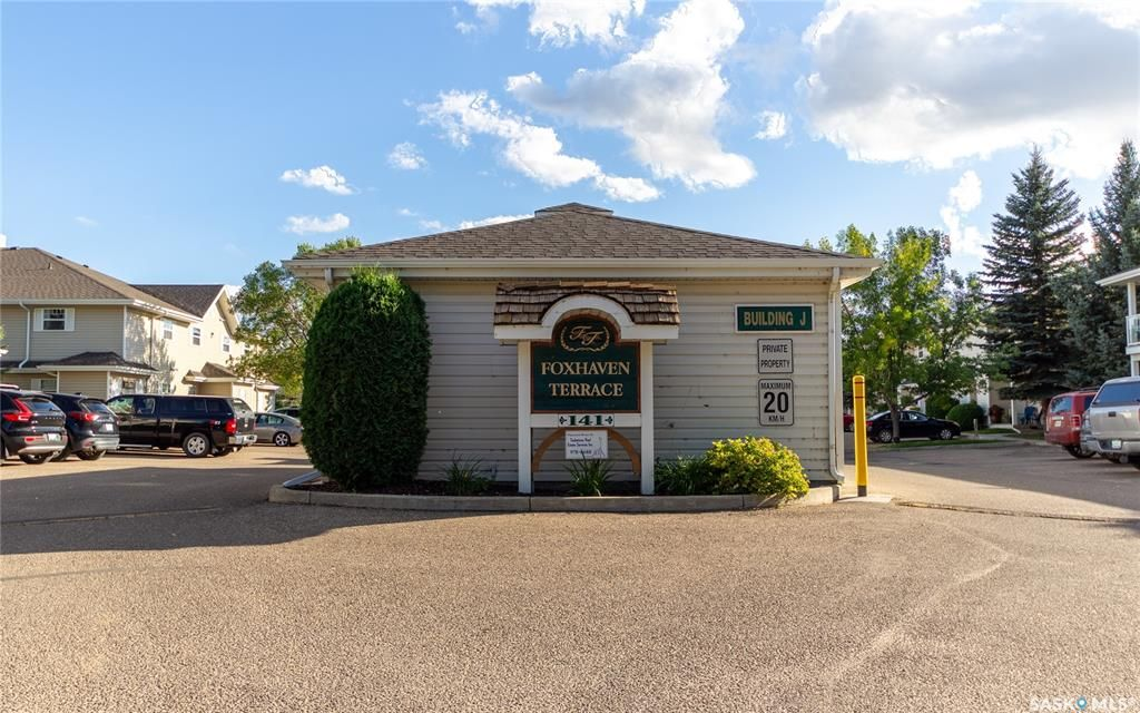 Main Photo: 202A 141 105th Street West in Saskatoon: Sutherland Residential for sale : MLS®# SK870593