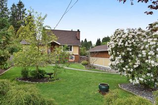 Photo 1: 12085 BLAKELY Road in Pitt Meadows: Central Meadows House for sale : MLS®# R2166828