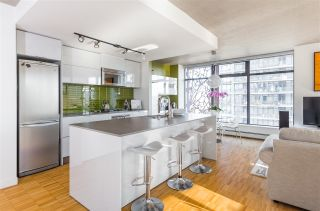"""Photo 8: 2106 128 W CORDOVA Street in Vancouver: Downtown VW Condo for sale in """"WOODWARDS W43"""" (Vancouver West)  : MLS®# R2222089"""