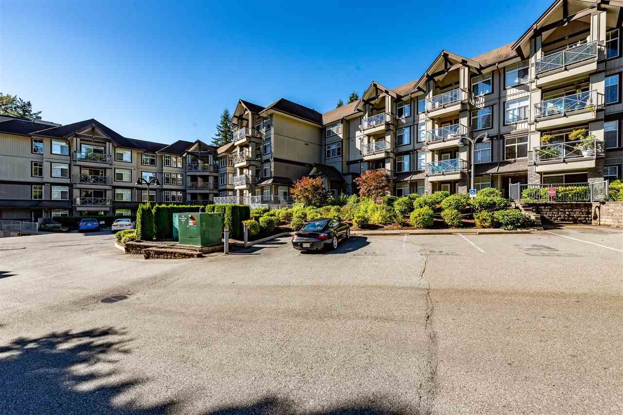 """Photo 2: Photos: 309 33318 E BOURQUIN Crescent in Abbotsford: Central Abbotsford Condo for sale in """"NATURES GATE"""" : MLS®# R2530844"""