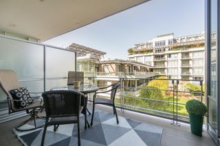 "Photo 17: 511 1633 ONTARIO Street in Vancouver: False Creek Condo for sale in ""KAYAK"" (Vancouver West)  : MLS®# R2257979"