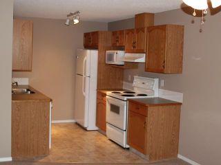 Photo 6: 89 DOUGLAS GLEN Park SE in CALGARY: Douglasglen Townhouse for sale (Calgary)  : MLS®# C3572100