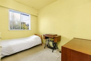 Photo 5: 4814 PENDER Street in Burnaby: Capitol Hill BN House for sale (Burnaby North)  : MLS®# R2483163
