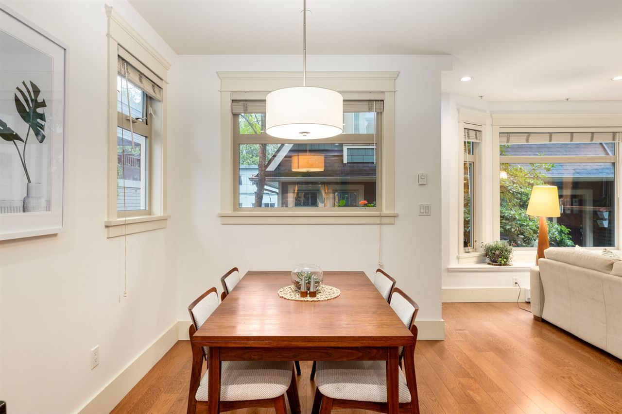 Photo 4: Photos: 1522 GRAVELEY STREET in Vancouver: Grandview Woodland Townhouse for sale (Vancouver East)  : MLS®# R2407954