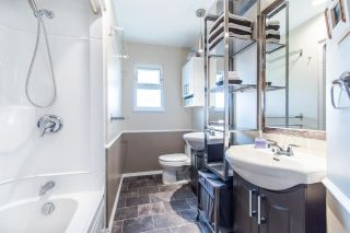 Photo 11: 971 REGAN Avenue in Coquitlam: Central Coquitlam 1/2 Duplex for sale : MLS®# R2397027