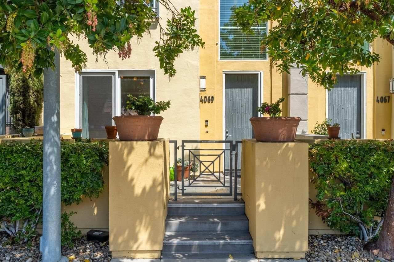 Main Photo: Townhouse for rent : 3 bedrooms : 4069 1st Avenue in San Diego