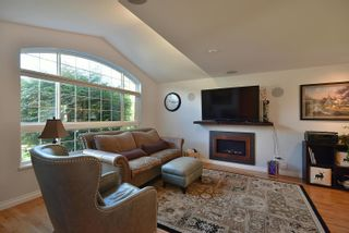 """Photo 6: 863 INGLIS Road in Gibsons: Gibsons & Area House for sale in """"Oceanmount"""" (Sunshine Coast)  : MLS®# R2618699"""
