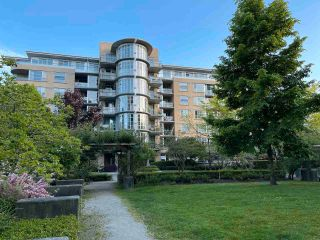 """Photo 31: 613 2655 CRANBERRY Drive in Vancouver: Kitsilano Condo for sale in """"NEW YORKER"""" (Vancouver West)  : MLS®# R2581568"""