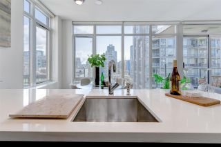 "Photo 10: 1402 1252 HORNBY Street in Vancouver: Downtown VW Condo for sale in ""PURE"" (Vancouver West)  : MLS®# R2575671"
