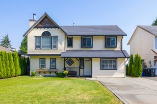 Photo 1: 26573 29B Avenue in Langley: Aldergrove Langley House for sale : MLS®# R2598515