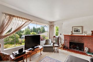 """Photo 3: 772 BLYTHWOOD Drive in North Vancouver: Delbrook House for sale in """"Lower Delbrook"""" : MLS®# R2583161"""