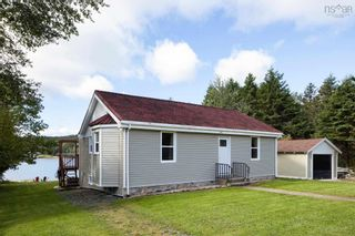 Photo 2: 7496 St. Margaret's Bay Road in Boutiliers Point: 40-Timberlea, Prospect, St. Margaret`S Bay Residential for sale (Halifax-Dartmouth)  : MLS®# 202125751