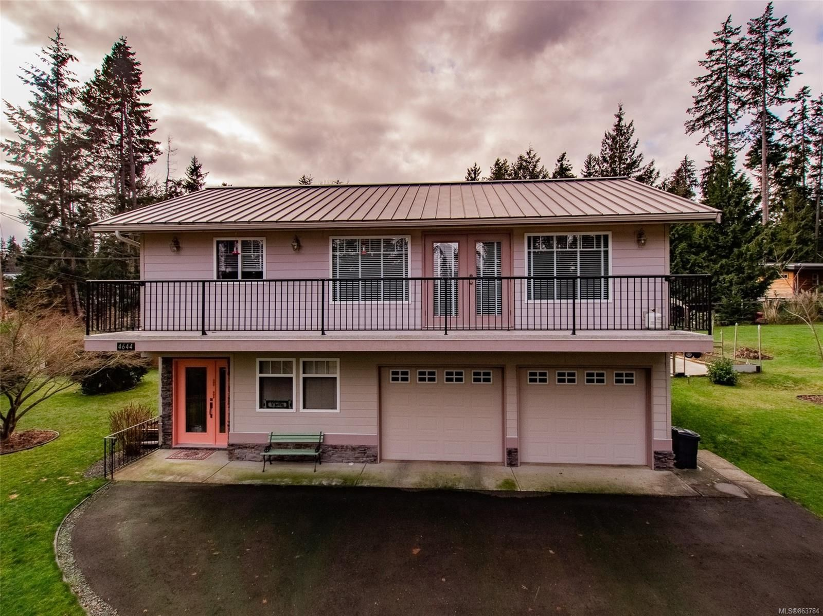Main Photo: 4644 Berbers Dr in : PQ Bowser/Deep Bay House for sale (Parksville/Qualicum)  : MLS®# 863784