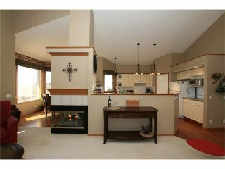 Photo 13: 35 GLENEAGLES View: Cochrane House for sale : MLS®# C4106773