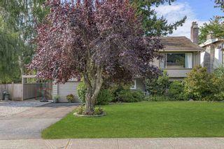 Photo 3: 5520 6 Avenue in Delta: Pebble Hill House for sale (Tsawwassen)  : MLS®# R2606042