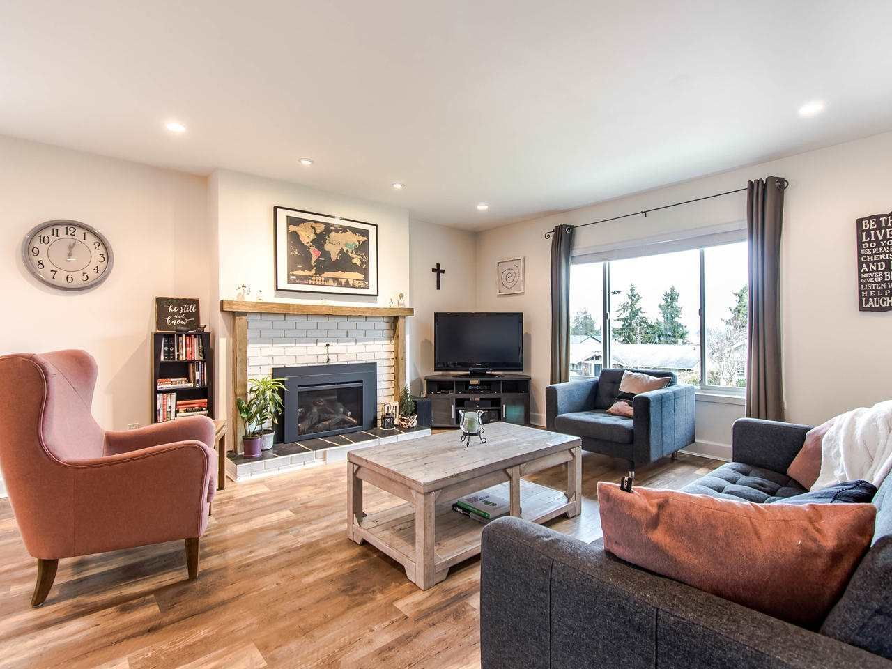 """Photo 2: Photos: 21744 48A Avenue in Langley: Murrayville House for sale in """"MURRAYVILLE"""" : MLS®# R2451789"""