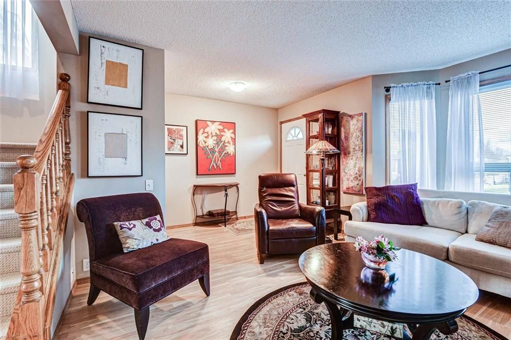 Photo 3: Photos: 62 RIVERCREST Circle SE in Calgary: Riverbend Detached for sale : MLS®# C4273736