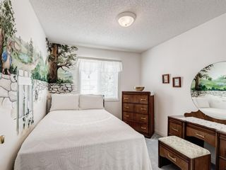 Photo 33: 54 Signature Close SW in Calgary: Signal Hill Detached for sale : MLS®# A1138139