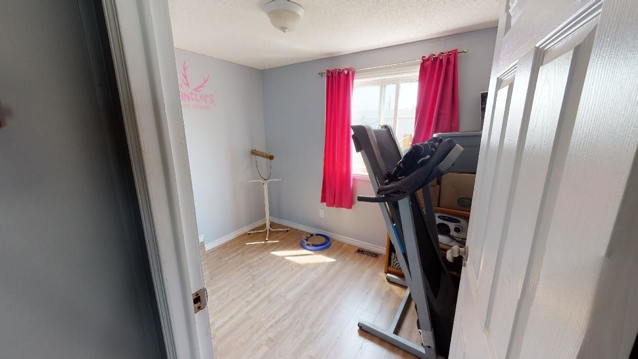 Photo 7: Photos: 10339 102 Street: Taylor Manufactured Home for sale (Fort St. John (Zone 60))  : MLS®# R2601750