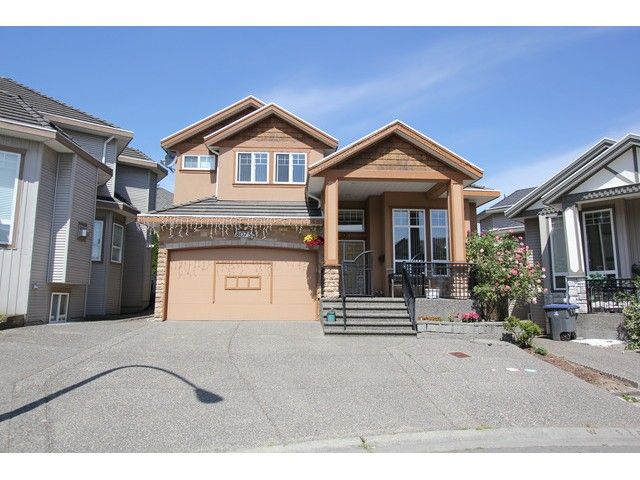 Main Photo: 8075 135A Street in Surrey: Queen Mary Park Surrey House for sale : MLS®# F1444482