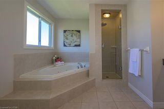 Photo 22: 20 FIELDSTONE Crescent: Komoka Residential for sale (4 - Middelsex Centre)  : MLS®# 40112835