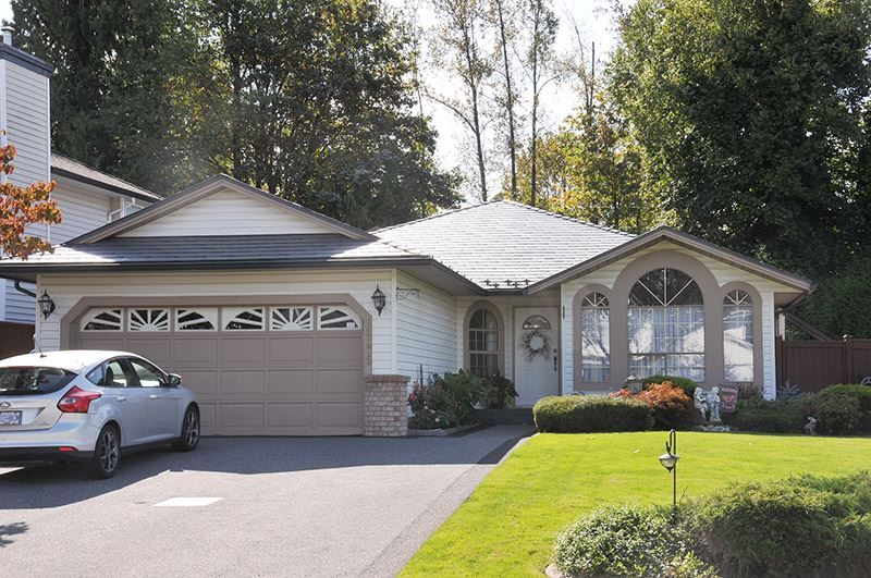 Main Photo: 19575 SOMERSET DRIVE in Pitt Meadows: Mid Meadows House for sale : MLS®# R2409723